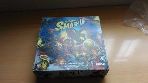 Optimización de espacio para Smash up y sus expansiones.